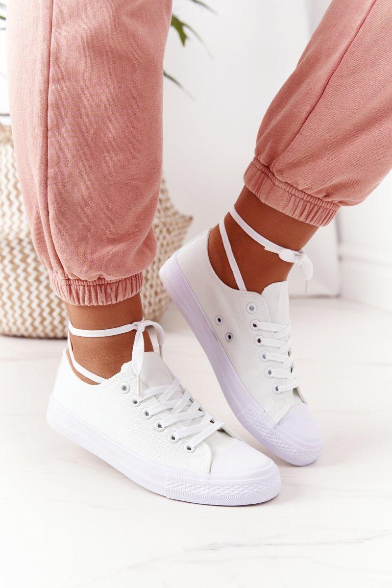 Classic Women's Sneakers White Omerta
