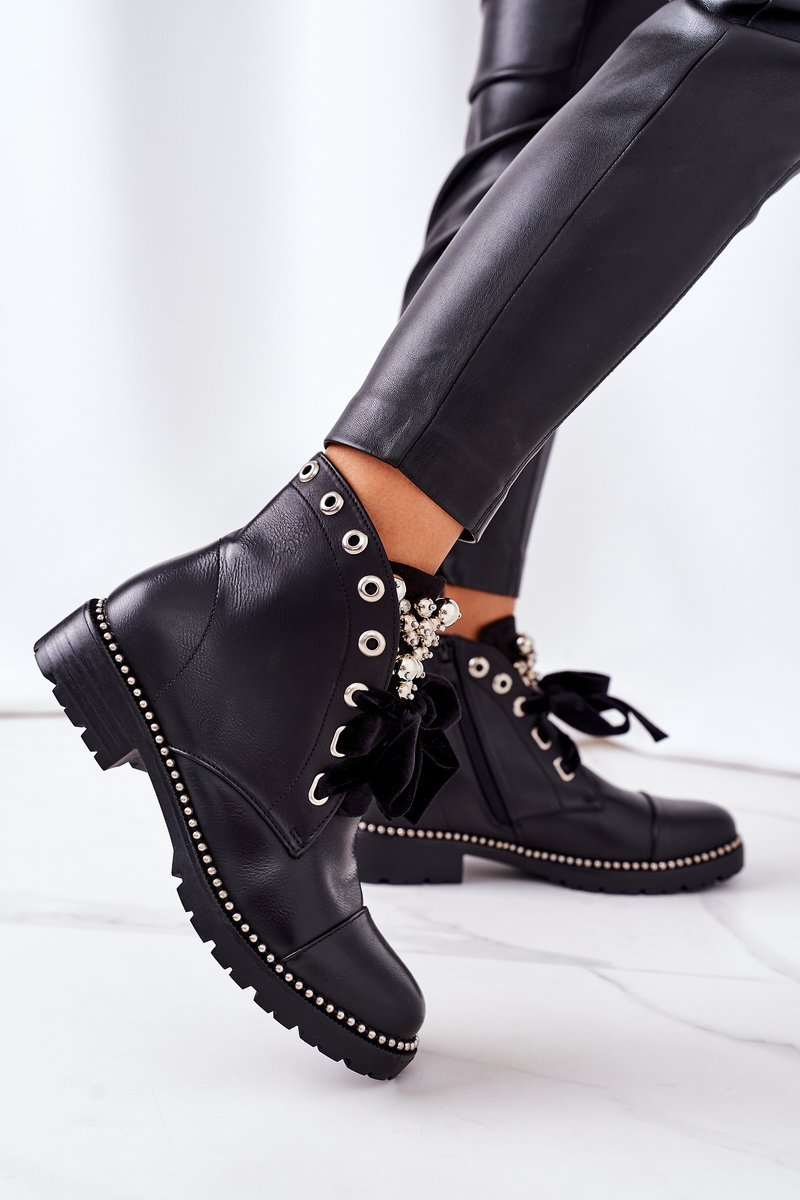 Insulated Boots With Metal Pearls, Studs And A Ribbon Black Perla