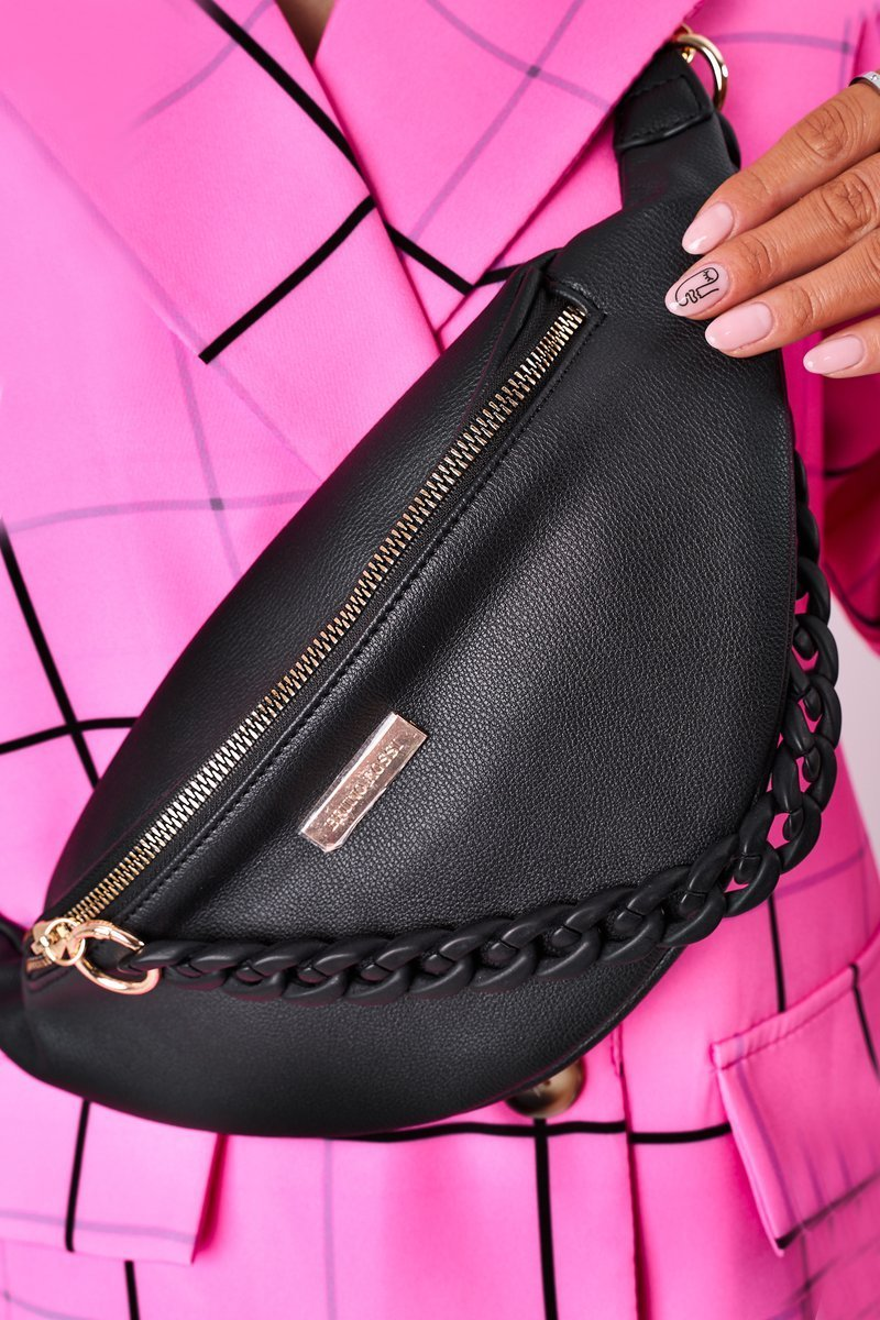 Leather Kidney Bag With Chain Bruno Rossi Black