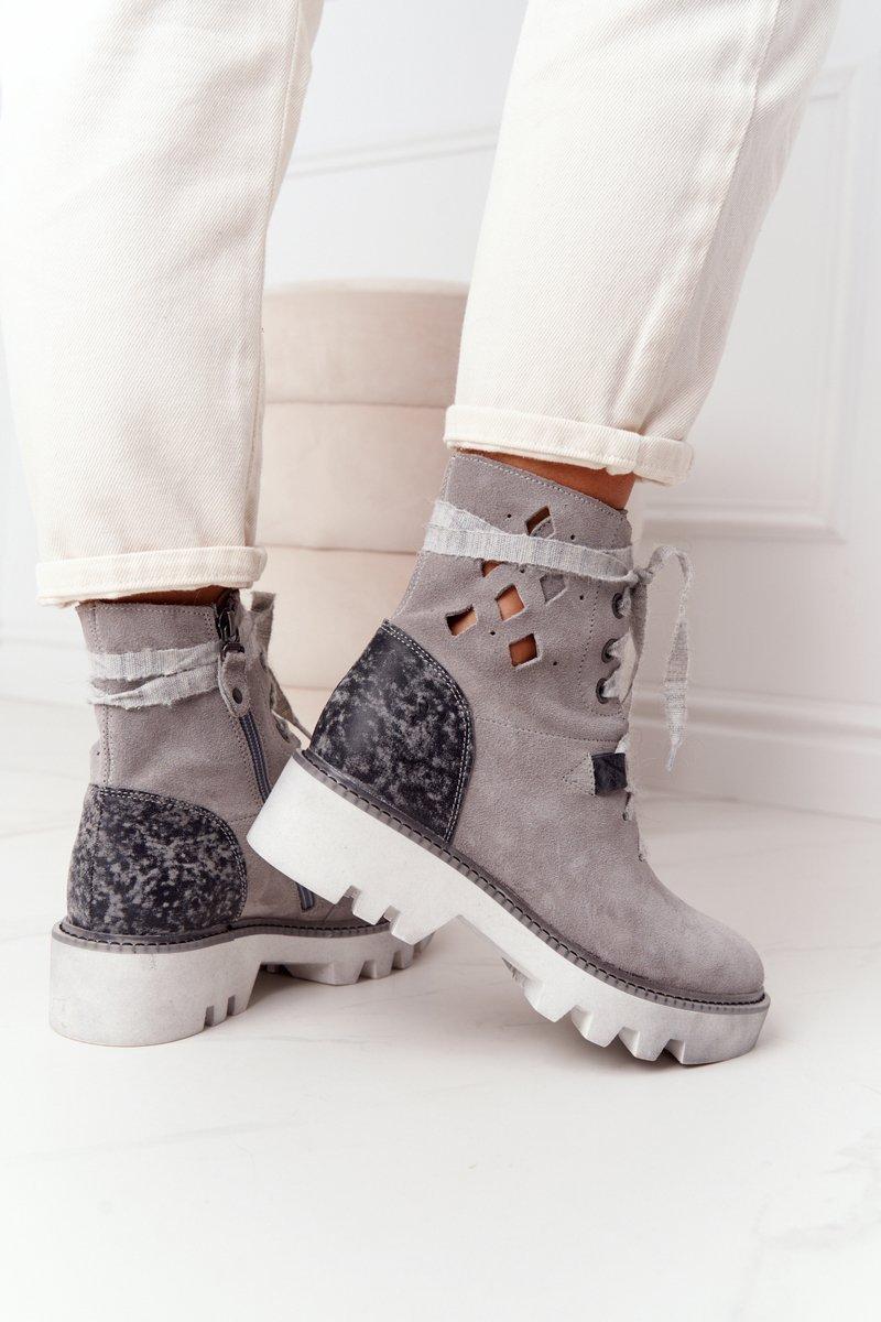 Suede Openwork Boots Maciejka Grey 05033-03