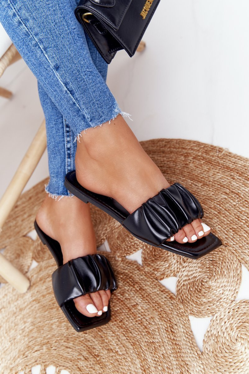 Women's Classic Slippers Black Looking Good