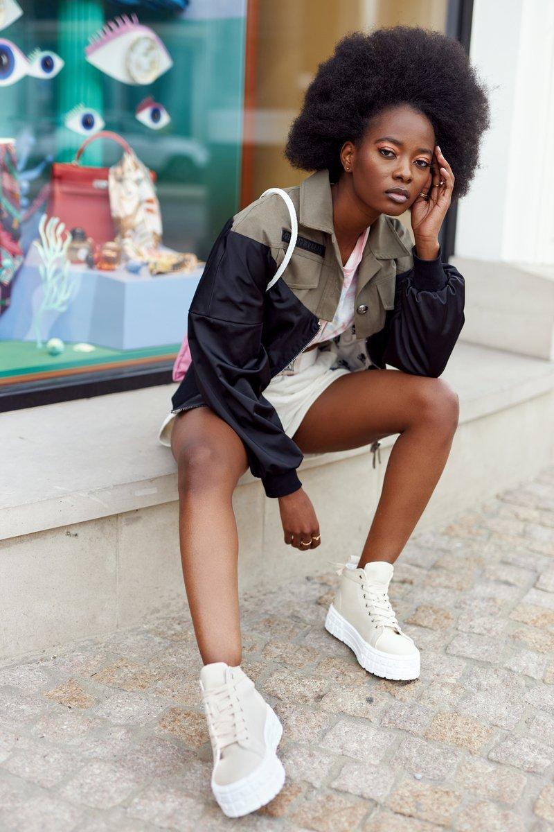 Women's High Sneakers On A Platform Beige Manhattan