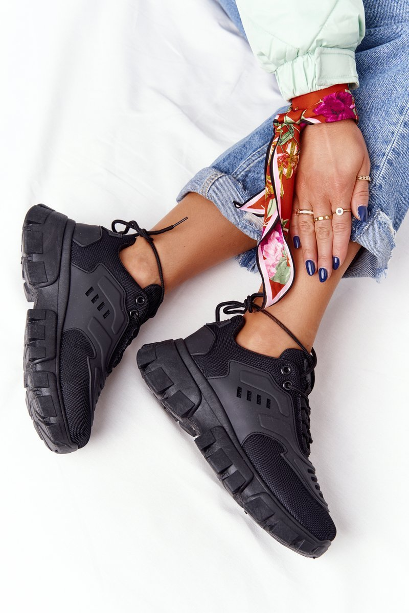 Women's Sneakers On A Chunky Sole Black New York